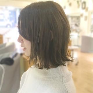 ナチュラル 前髪あり デート 外ハネ ヘアスタイルや髪型の写真・画像