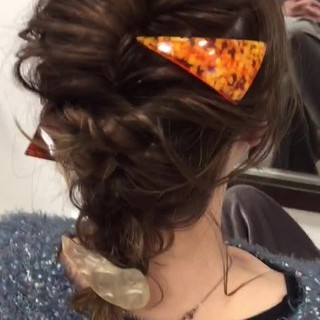 ミディアム ゆるふわ ねじり ヘアアレンジ ヘアスタイルや髪型の写真・画像