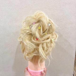 ロング ウェーブ ゆるふわ ヘアアレンジ ヘアスタイルや髪型の写真・画像