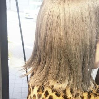 グレージュ モード 外国人風 外ハネ ヘアスタイルや髪型の写真・画像