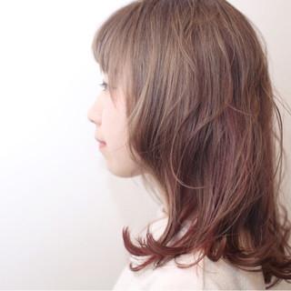 ブリーチ ミディアム ハイライト レッド ヘアスタイルや髪型の写真・画像