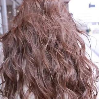 ロング ハイトーン ヘアアレンジ グラデーションカラー ヘアスタイルや髪型の写真・画像