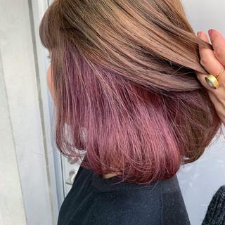 ハイトーン ストリート インナーカラー インナーカラーパープル ヘアスタイルや髪型の写真・画像