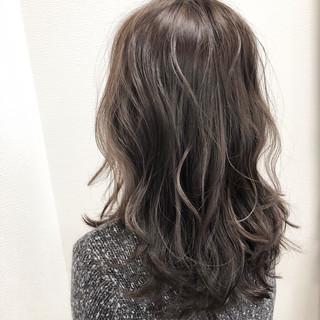 デート エレガント 波ウェーブ 大人ハイライト ヘアスタイルや髪型の写真・画像
