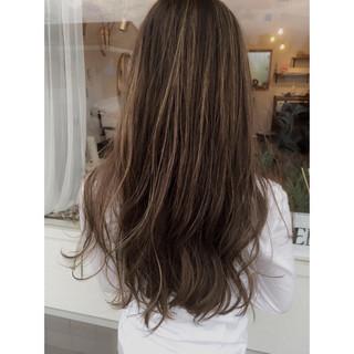 ブリーチ ハイライト リラックス 上品 ヘアスタイルや髪型の写真・画像