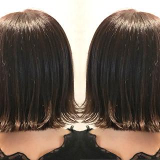 ショート 暗髪 ナチュラル グレージュ ヘアスタイルや髪型の写真・画像