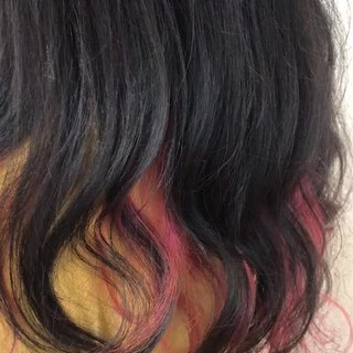 ロング ガーリー インナーカラー 派手髪 ヘアスタイルや髪型の写真・画像