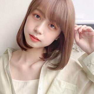 ミディアムレイヤー ミディアム 縮毛矯正ストカール ガーリー ヘアスタイルや髪型の写真・画像