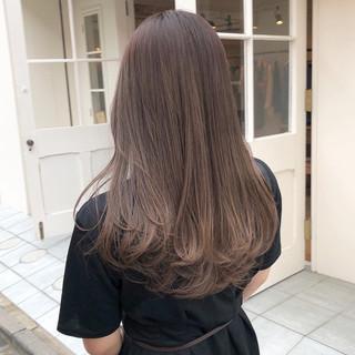 セミロング オルチャン シアーベージュ アッシュベージュ ヘアスタイルや髪型の写真・画像