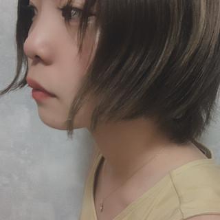 ウルフレイヤー ナチュラル ミルクティーグレージュ ショート ヘアスタイルや髪型の写真・画像