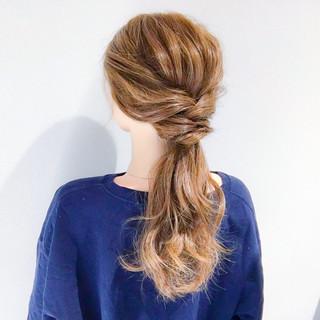 エレガント デート セミロング オフィス ヘアスタイルや髪型の写真・画像