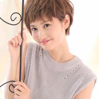 ミルクティー ナチュラル 小顔 ショート ヘアスタイルや髪型の写真・画像