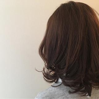 パーマ ミディアム 外ハネ 内巻き ヘアスタイルや髪型の写真・画像