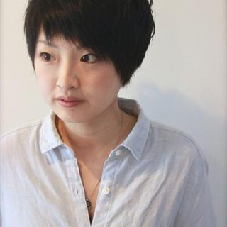 大人かわいい ショート ナチュラル アシメバング ヘアスタイルや髪型の写真・画像