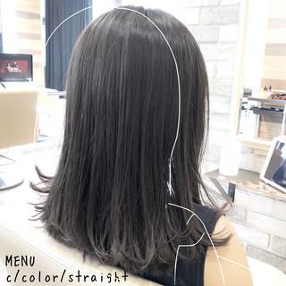 グレージュ ミディアム 縮毛矯正 ナチュラル ヘアスタイルや髪型の写真・画像