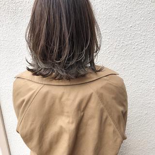 アンニュイほつれヘア ナチュラル可愛い ナチュラル ミディアムレイヤー ヘアスタイルや髪型の写真・画像