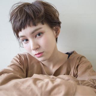 外国人風 パーマ ナチュラル 暗髪 ヘアスタイルや髪型の写真・画像