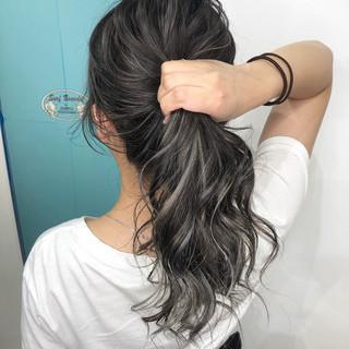 ハイライト グレージュ 外国人風カラー ナチュラル ヘアスタイルや髪型の写真・画像