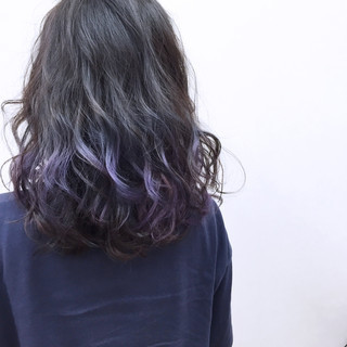 大人かわいい パープル ミディアム ウェーブ ヘアスタイルや髪型の写真・画像