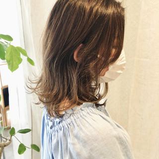 ハイライト エレガント セミロング ウルフカット ヘアスタイルや髪型の写真・画像