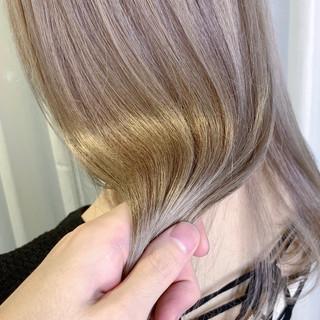 透明感 ナチュラル ロング ハイトーンカラー ヘアスタイルや髪型の写真・画像