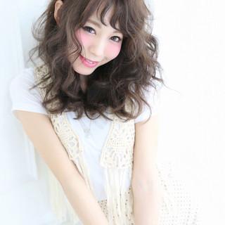 外国人風 アッシュ ガーリー フェミニン ヘアスタイルや髪型の写真・画像