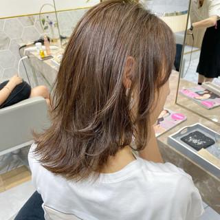 ハイライト ナチュラル 大人ハイライト ウルフカット ヘアスタイルや髪型の写真・画像