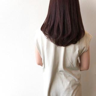 セミロング オフィス ラベンダーカラー ラベンダーアッシュ ヘアスタイルや髪型の写真・画像