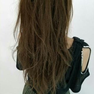 ニュアンス 暗髪 ゆるふわ フェミニン ヘアスタイルや髪型の写真・画像