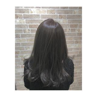 外国人風カラー モード ブリーチなし セミロング ヘアスタイルや髪型の写真・画像