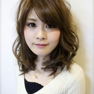 フェミニン 大人かわいい ハイライト アッシュ ヘアスタイルや髪型の写真・画像