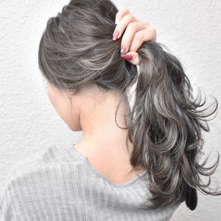 グラデーションカラー グレージュ 外国人風 ロング ヘアスタイルや髪型の写真・画像