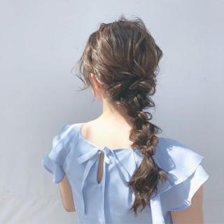 編み込み ヘアアレンジ デート ナチュラル ヘアスタイルや髪型の写真・画像