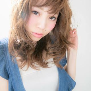 ストリート 外国人風 大人かわいい セミロング ヘアスタイルや髪型の写真・画像
