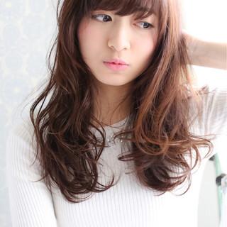 セミロング フェミニン 前髪あり 大人かわいい ヘアスタイルや髪型の写真・画像