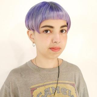 オン眉 個性的 ハイトーン ショート ヘアスタイルや髪型の写真・画像