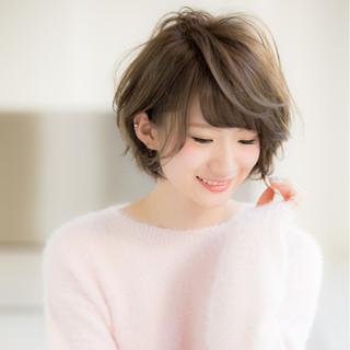 ミルクティー ショート 大人かわいい ピンク ヘアスタイルや髪型の写真・画像