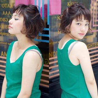 ルーズ お団子 簡単ヘアアレンジ ボブ ヘアスタイルや髪型の写真・画像