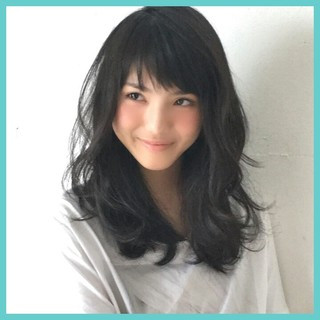 前髪あり 大人かわいい 暗髪 セミロング ヘアスタイルや髪型の写真・画像