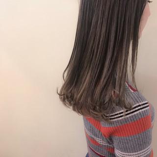 ゆるふわ ナチュラル セミロング インナーカラー ヘアスタイルや髪型の写真・画像