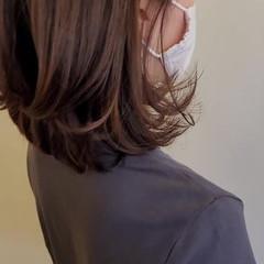 大人女子 ヘアカット 大人ミディアム アンニュイほつれヘア ヘアスタイルや髪型の写真・画像