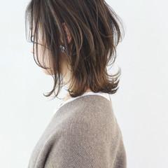インナーカラー グラデーションカラー ナチュラル ミディアムレイヤー ヘアスタイルや髪型の写真・画像