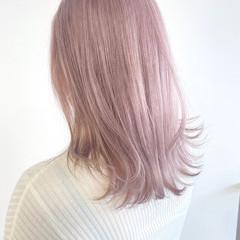ラベンダーカラー 透明感カラー ナチュラル ホワイトベージュ ヘアスタイルや髪型の写真・画像