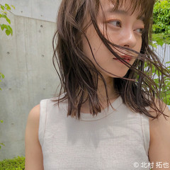 アンニュイ 透明感カラー シアーベージュ ミディアム ヘアスタイルや髪型の写真・画像