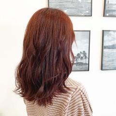ボルドー 艶カラー ハイトーン 艶髪 ヘアスタイルや髪型の写真・画像