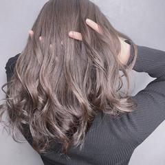 ブリーチなし フェミニン イルミナカラー ショート ヘアスタイルや髪型の写真・画像