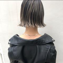 アンニュイほつれヘア ハイライト ナチュラル パーマ ヘアスタイルや髪型の写真・画像
