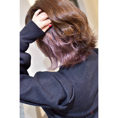 インナーピンク 切りっぱなしボブ イヤリングカラー ガーリー ヘアスタイルや髪型の写真・画像