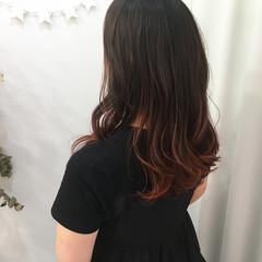 ハイライト 秋 ロング レッド ヘアスタイルや髪型の写真・画像