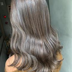 アンニュイほつれヘア アッシュグレージュ ラベンダーグレージュ セミロング ヘアスタイルや髪型の写真・画像